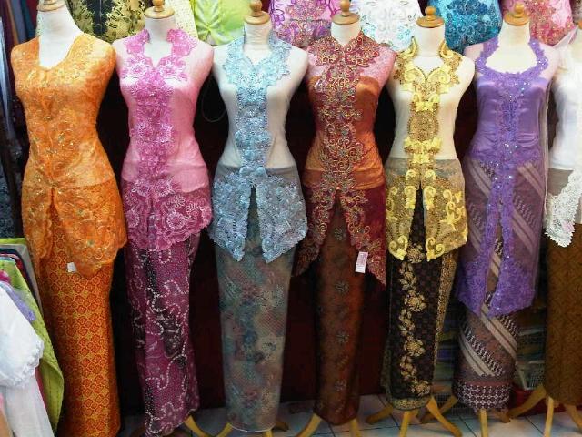 Modern Model Kebaya Muslim Wisuda