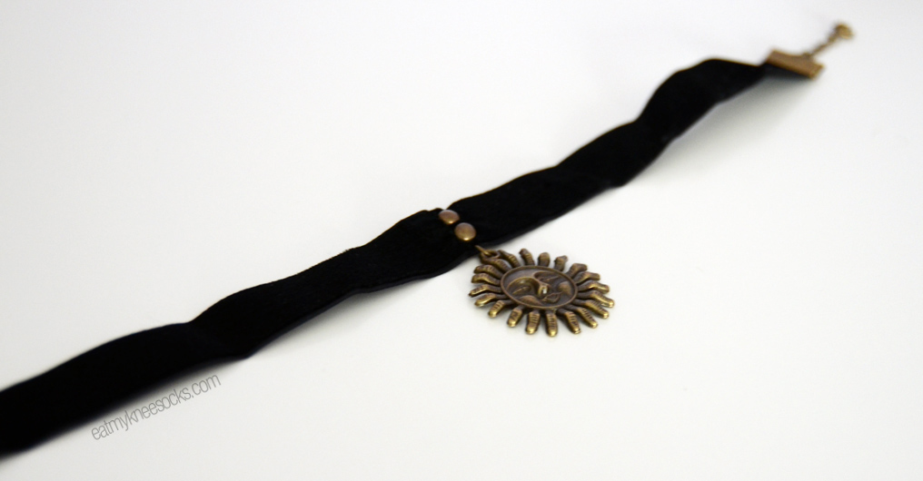 More photos of the black velvet sun charm choker from Born Pretty Store's Jewelry & Accessories section.
