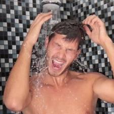 mandi dan berenang saat puasa