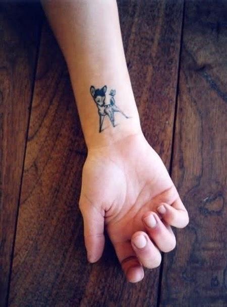 Mẫu hình xăm trên cổ tay ngón tay nhỏ đẹp cho nữ 8