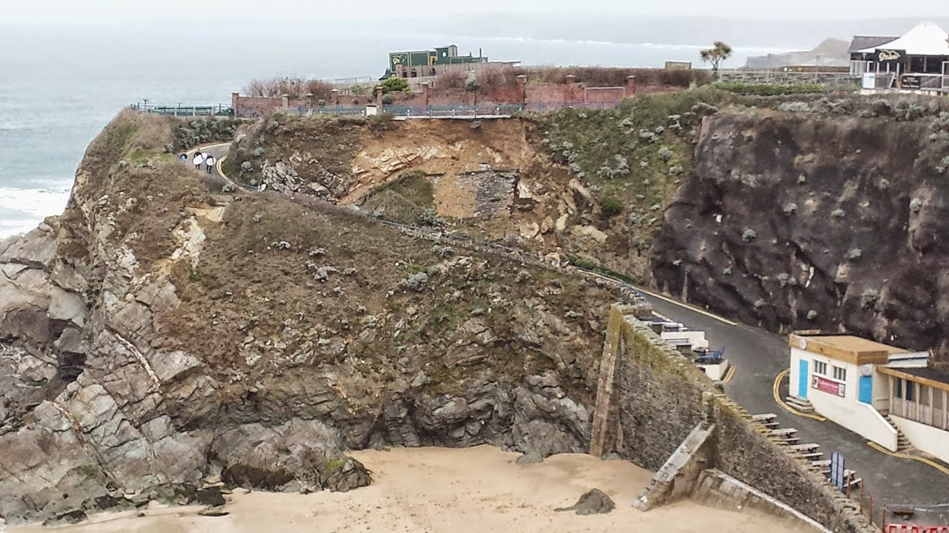 Landslide at Gt Western Beach Newquay