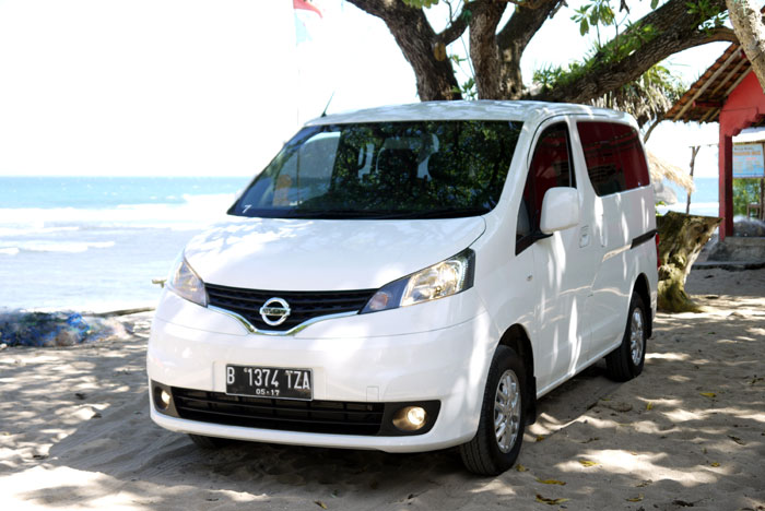 dunia otomotif hasil test drive media pada nissan evalia. Black Bedroom Furniture Sets. Home Design Ideas