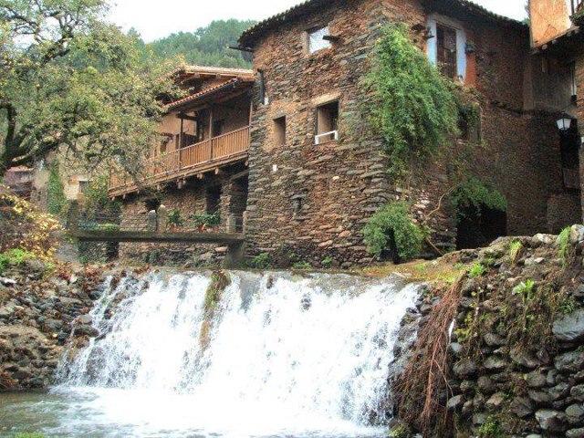 Extremadura travel visita robledillo de gata este destino for Piscinas naturales robledillo de gata