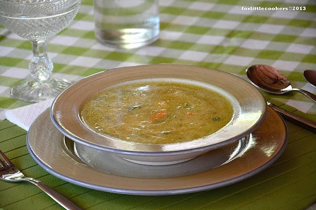 Sopa de arroz, pollo y gambas
