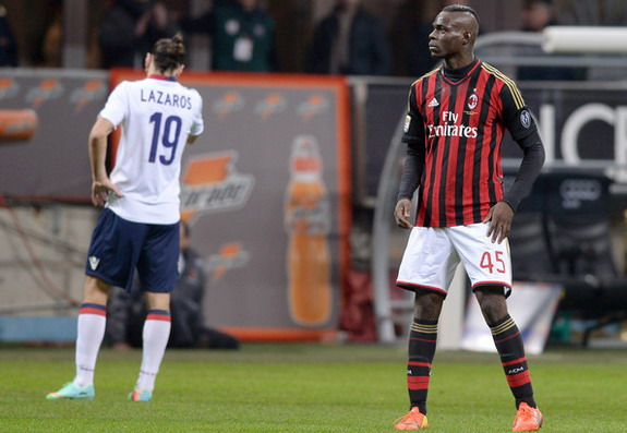 AC Milan player Mario Balotelli celebrates after scoring the winning goal against Bologna