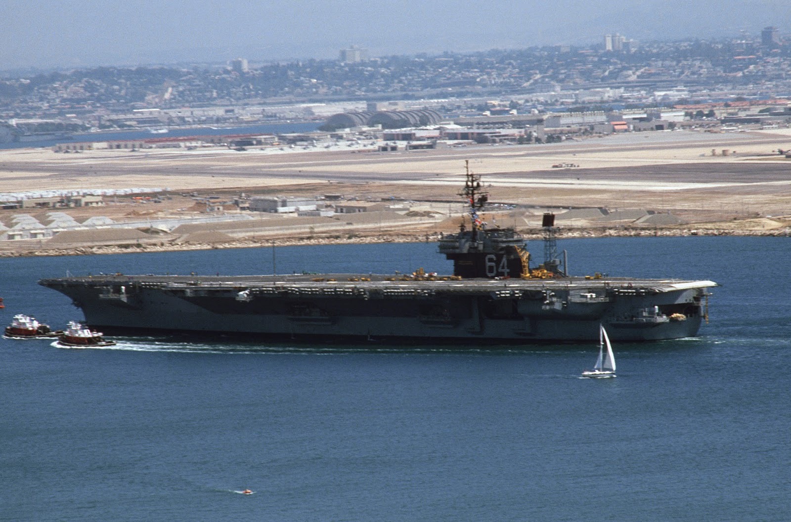 aa  aircraft carriers anonymous   32  uss constellation  cv