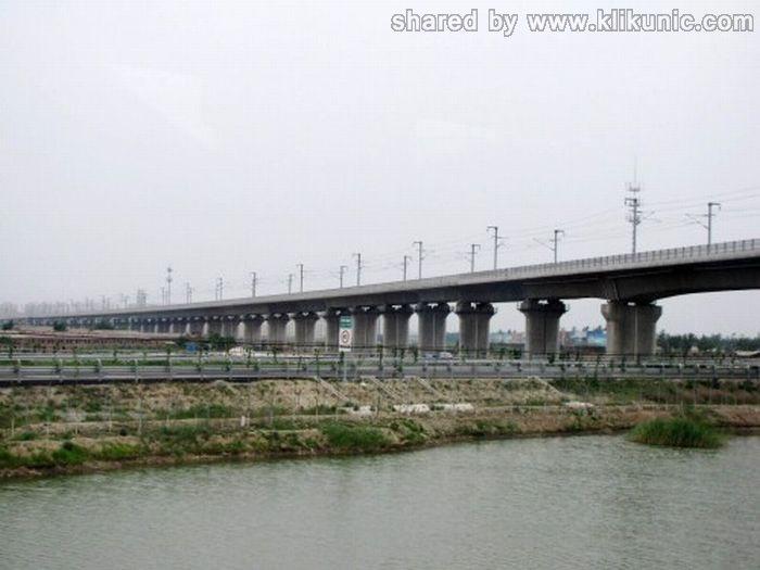 http://4.bp.blogspot.com/-DI4dTJrvgj8/TXWX0tY-nzI/AAAAAAAAQP0/fbul4wFFgz0/s1600/bridges_02.jpg