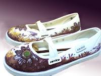 sepatu lukis ornamen,sepatu lukis cewe,sepatu lukis bunga,sepatu,lukis,sepatu lukis cewek