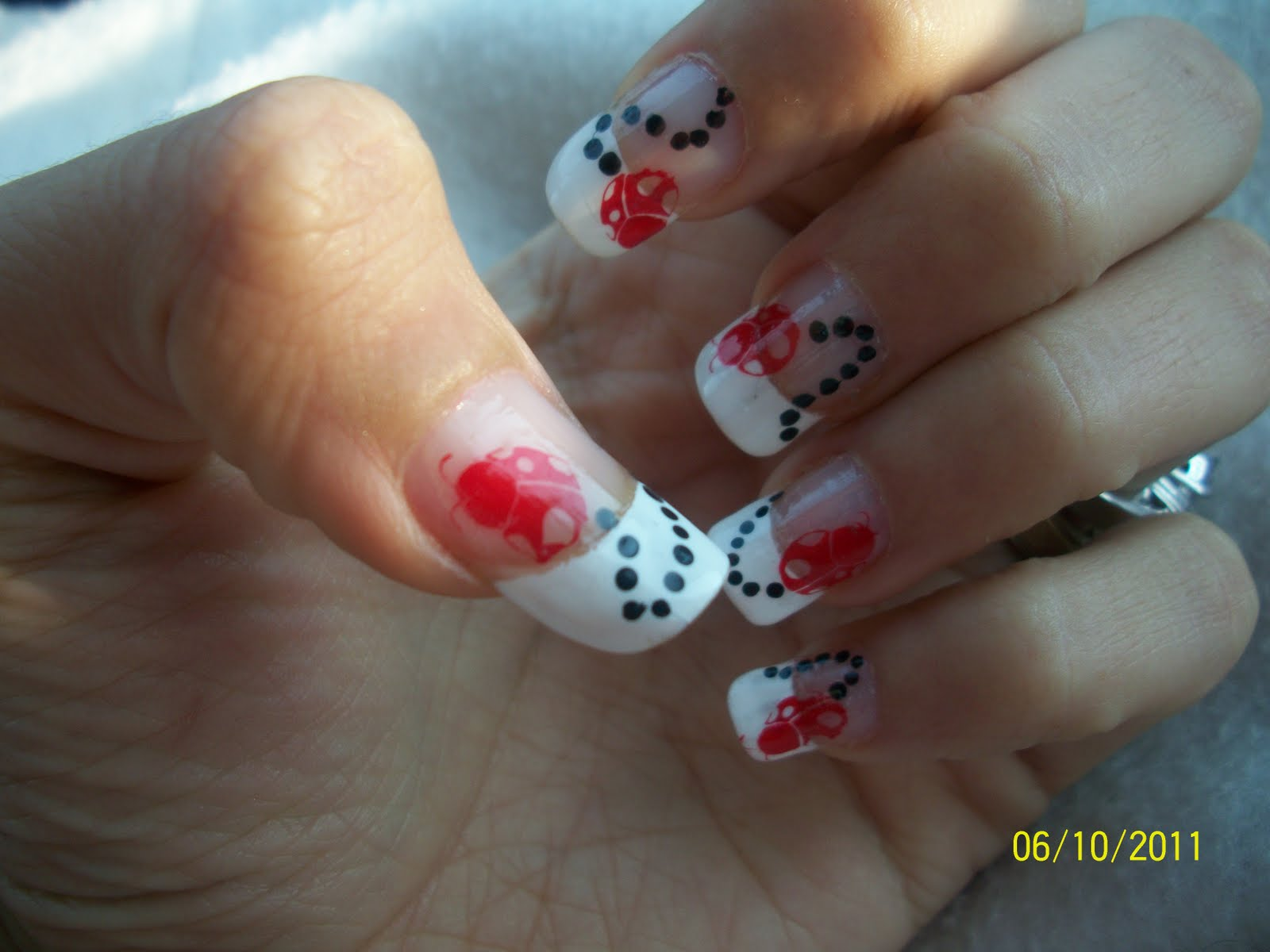 Simple red nail art designs