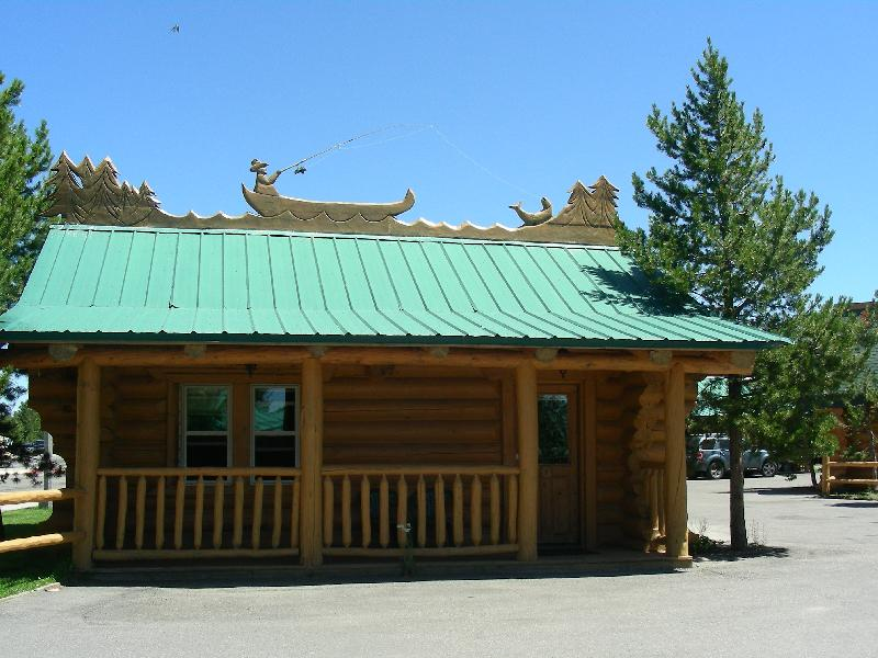 John n sylvia 39 s 2011 rv trip city of west yellowstone for West yellowstone cabins