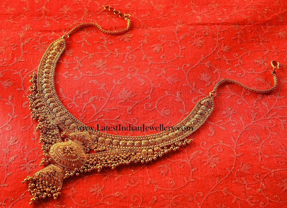 Plain Gold Muvvala Necklace