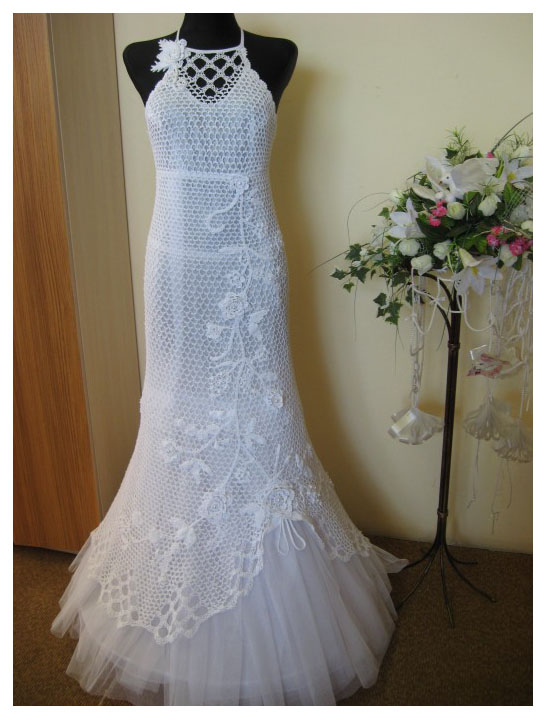 White crochet wedding dress for summer 39 s day for Crochet wedding dress patterns