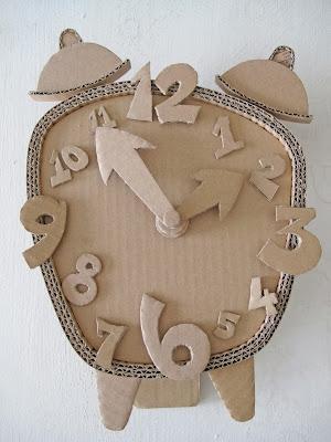 http://cardboard-crafts.blogspot.com.es/2012/09/2d-works.html