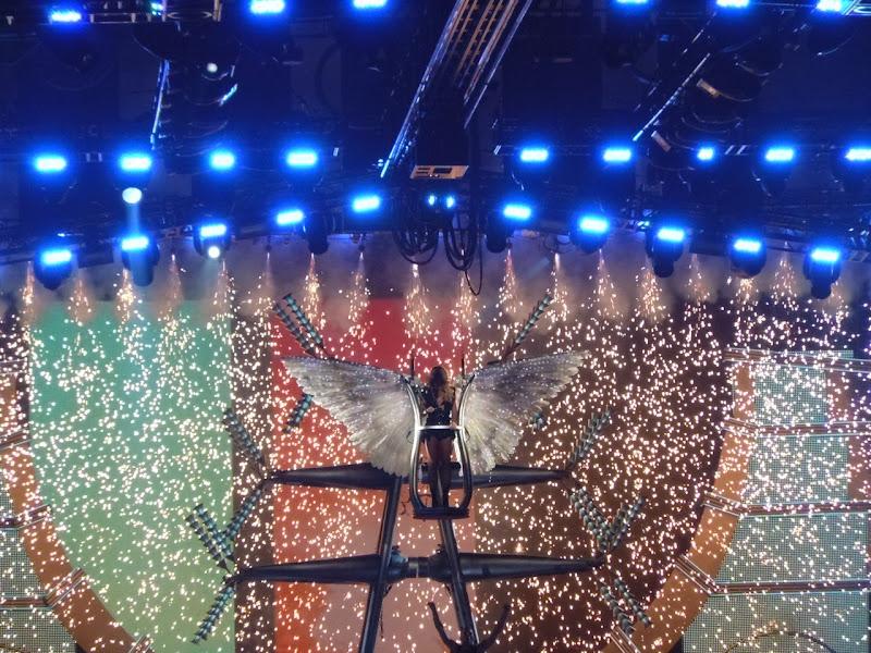 Britney Femme Fatale angel finale