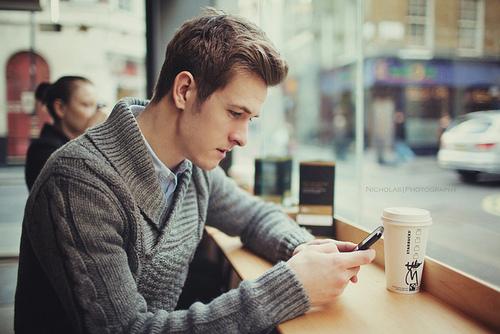 10 nguyên tắc khi nhắn tin hẹn hò, tán tỉnh con gái