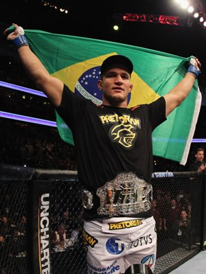 ufc mma heavyweight champion junior dos santos picture image
