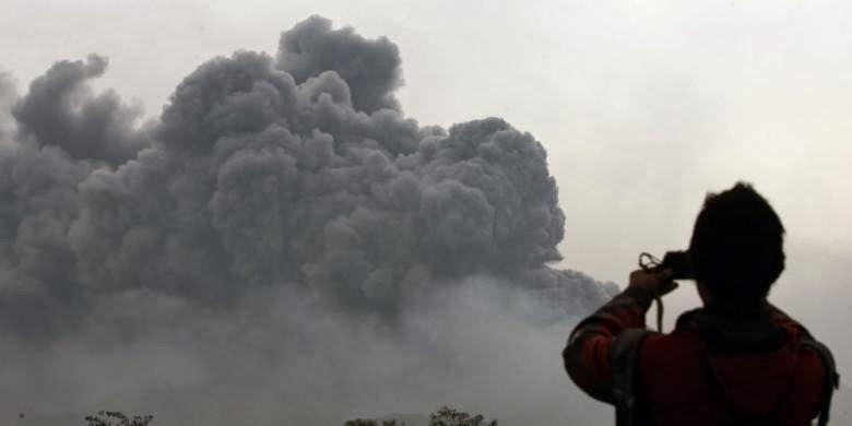 Detik-detik letusan Gunung Kelud