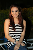 Aksha latest glamorous photos-thumbnail-20