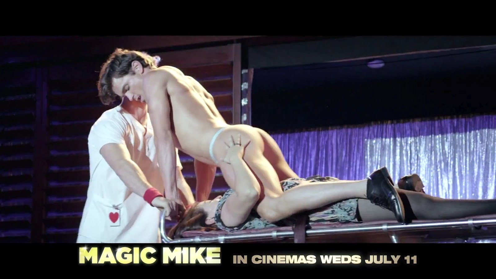 http://4.bp.blogspot.com/-DJM13-FPtks/URSoffr0HuI/AAAAAAAAEVU/hP8-5tHl-qk/s1600/Magic_Mike_Trailer_01.jpg