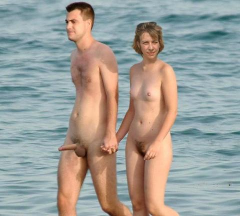 Turismo: Nudismo o Naturismo, desnudos por la playa