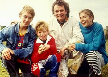 Round the Twist - Retro Children's TV on Amazon Instant
