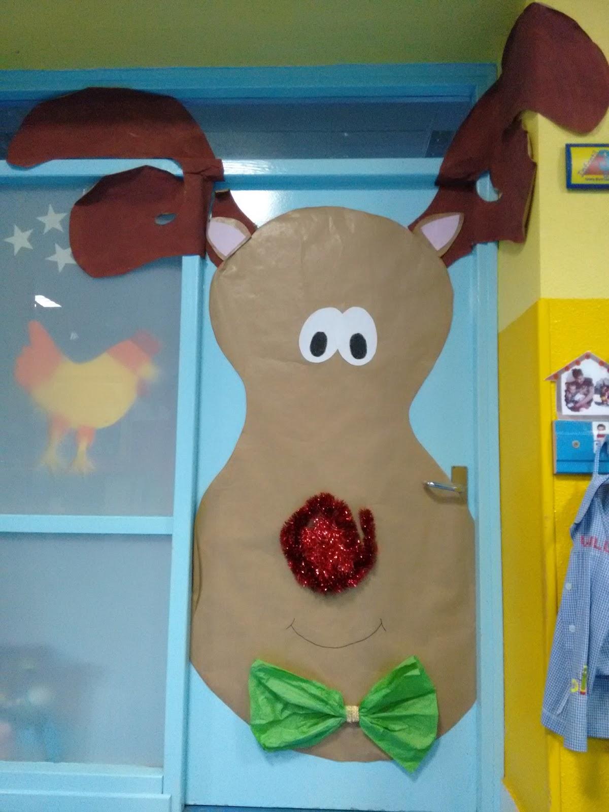 Manualidades del colegio el salvador puertas navide as 3 for Puertas decoradas navidad material reciclable