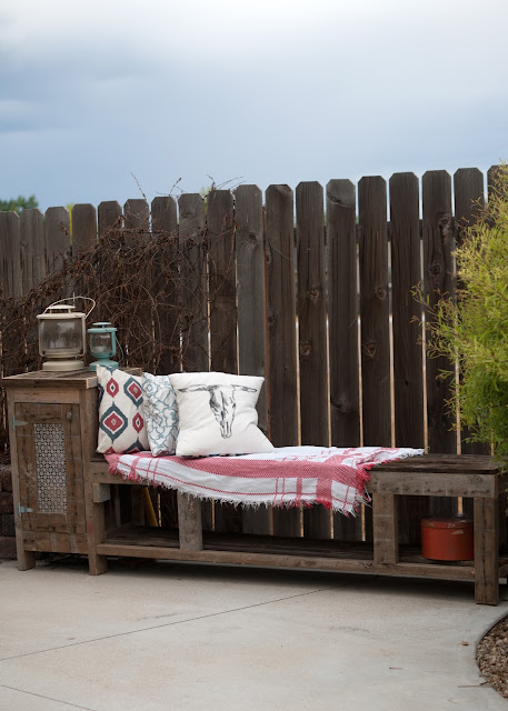 DIY Outdoor Storage bench built from reclaimed materials & a Kreg Jig