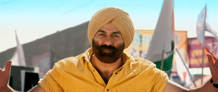 Screen Shot Of Hindi Movie Singh Saab the Great (2013) Download And Watch Online Free at worldfree4u.com