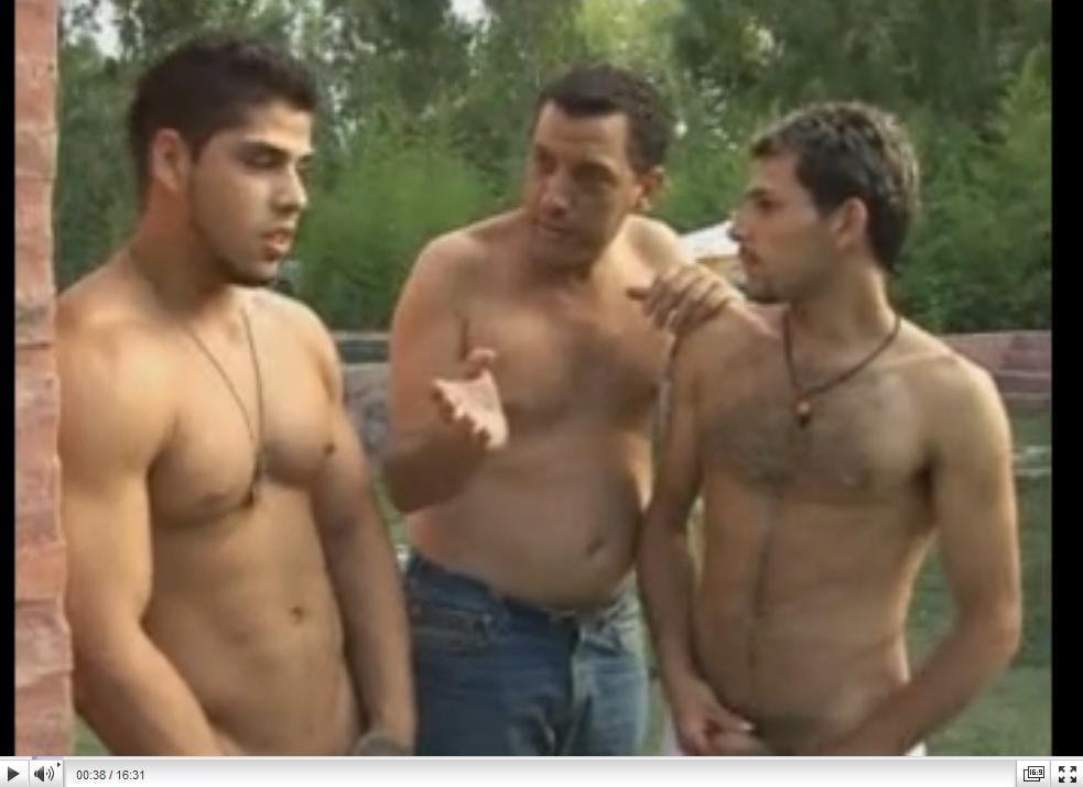 http://0800paja.blogspot.com/2014/08/porno-argentino-grupal-con-una-trola.html