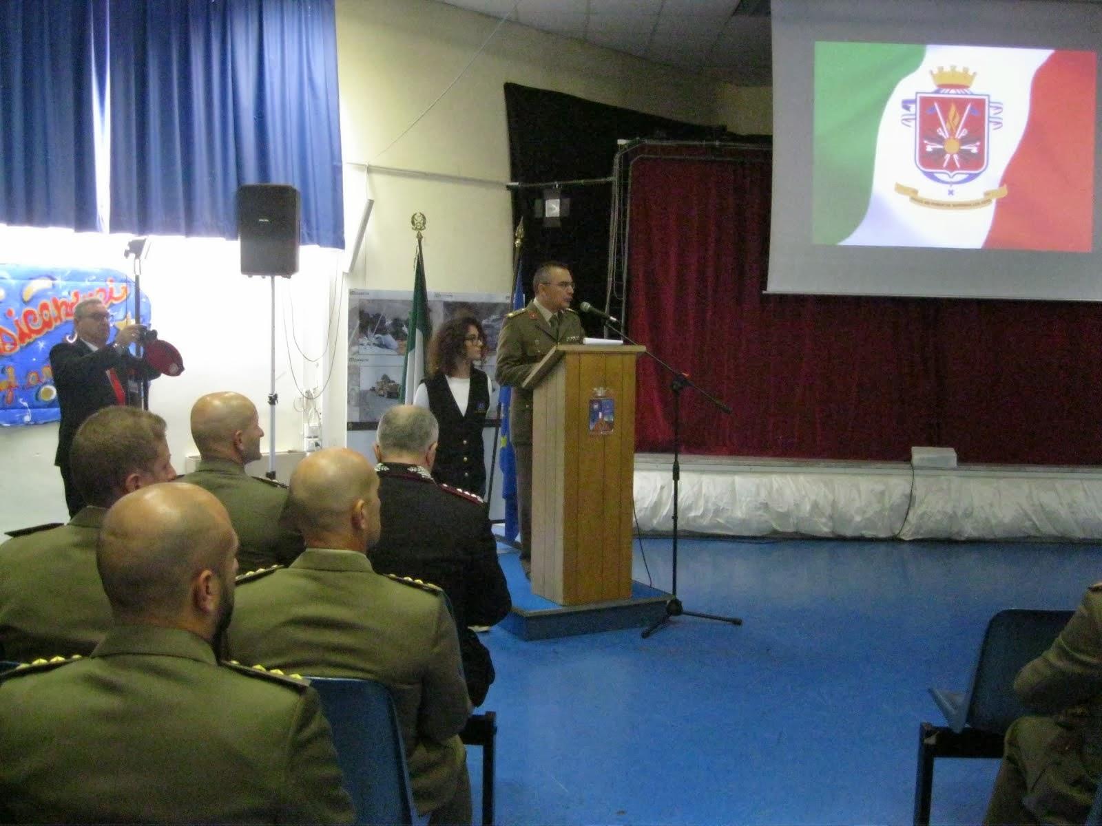 Il T.Col. Vincenzo LEGROTTAGLIE, presenta il Calendesercito 2014.