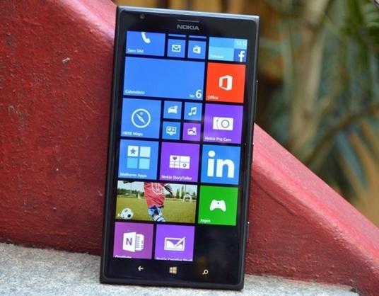 O preço do  Lumia 1520 gira em torno de R$ 1.700