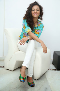 Seerath Kapoor Glamorous Picture shoot 072.jpg