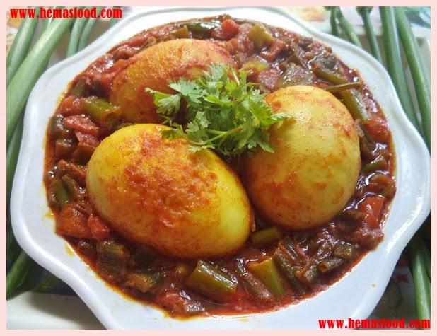 Ulli Kadalu Kodiguddu Kura - Spring Onions Egg Curry