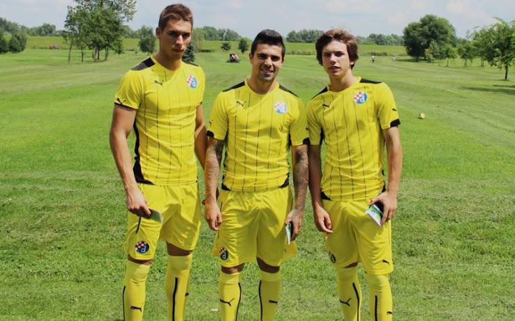 http://4.bp.blogspot.com/-DKLei7l41io/U-DTukv4POI/AAAAAAAAZG0/VE6ZZYtVPy0/s738/Dinamo-Zagreb-14-15-Away-Kit+(1).jpg