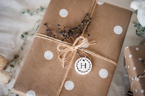 Envolver regalos de navidad de forma original regalos de - Envolver regalos original ...