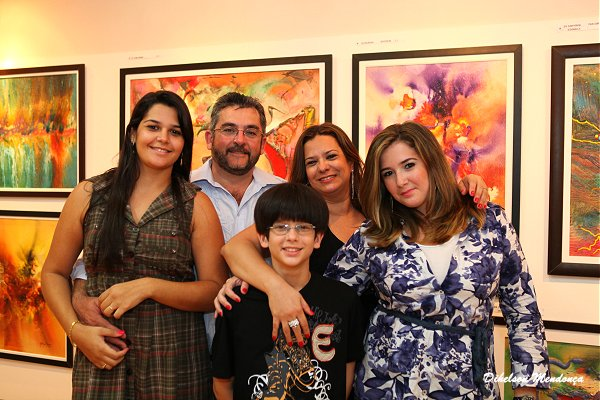 http://4.bp.blogspot.com/-DKl0sbGqm84/Tq8ZEBZOZKI/AAAAAAAAbGk/rnQvVRJfK5M/s1600/george_macario_e_familia.jpg