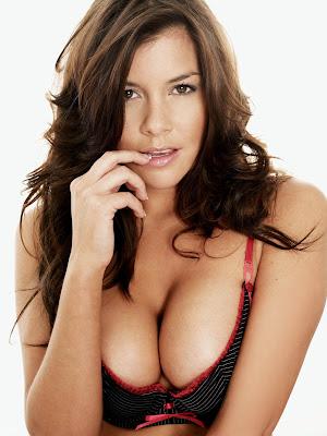 Imogen Thomas glamour model picture