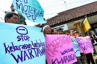Puluhan Wartawan di Sumedang Unjuk Rasa Terkait Pemukulan Wartawan