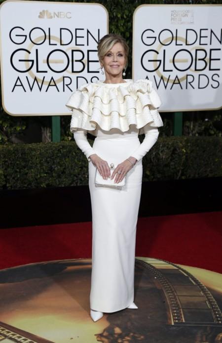 Jeans Fonda vestida de Saint Laurent en los Golden Globes, enero 2016