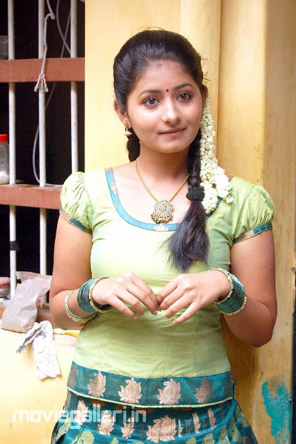 Indian Actress Galleri Theneer Viduthi Reshmi Menon Pics