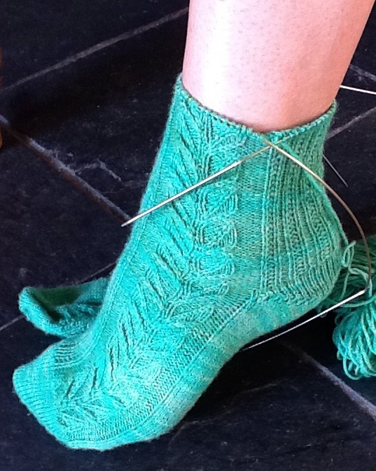 Knitted Sock Patterns On Circular Needles : My Sock Knitting Mezzamay