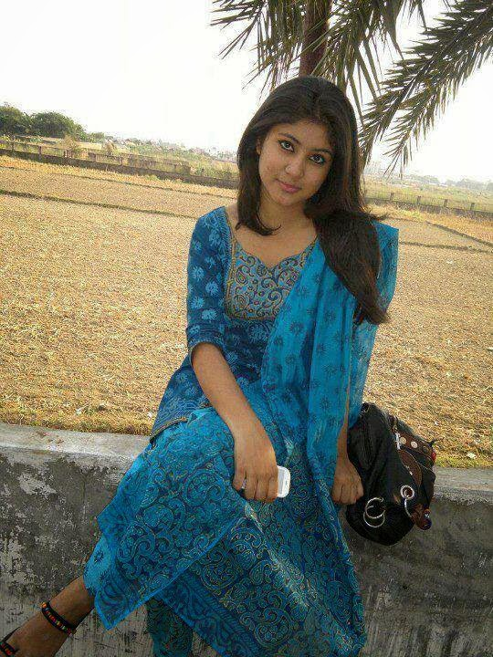 Beautiful+Pakistani+Girls+Wallpapers003