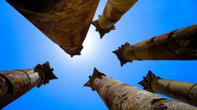 Six columns in one photo in Jerash