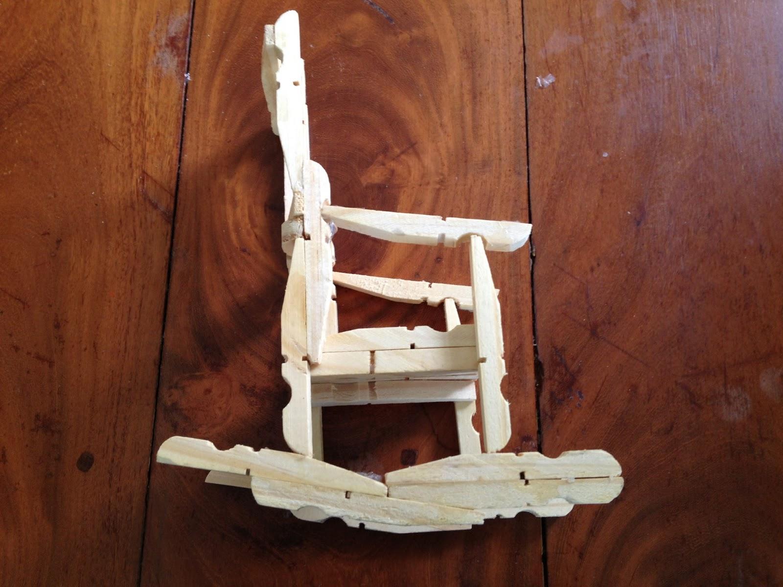 Artesanato do Amigão: Cadeira de balanço pregador #3D1A12 1600x1200