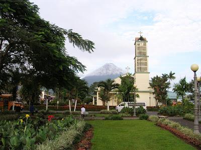 Volcán Arenal, La Fortuna,Costa Rica, vuelta al mundo, round the world, La vuelta al mundo de Asun y Ricardo, mundoporlibre.com