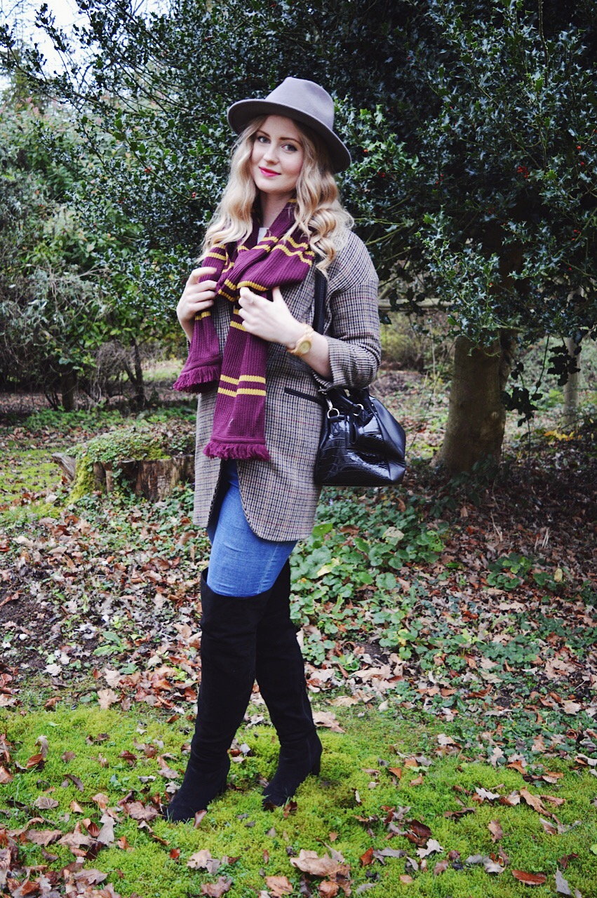Hogwarts scarf, FashionFake, Fashion bloggers