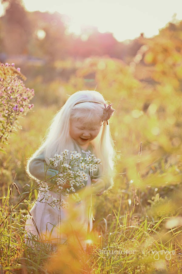 Wildflower photoshoot girl with flowers photographer Ontario