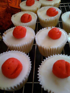 Simple Cupcake Red Nose Cake
