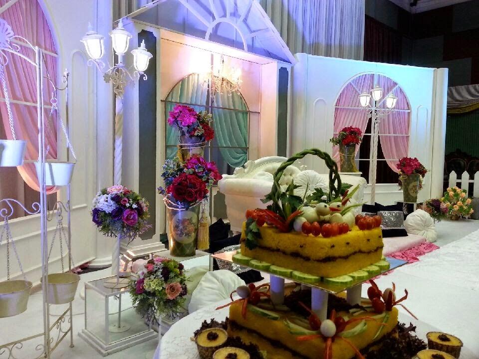 Pelamin 17 English Bouquets RM5000
