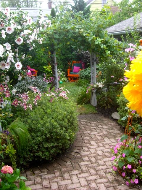 ideas sobre decoracin exterior en jardines con flores with arreglo jardines exteriores